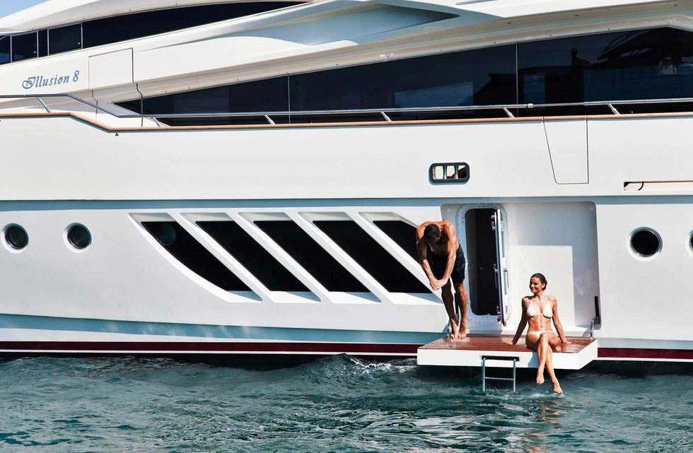 VIP яхта для отдыха в Сочи