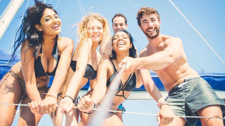 Селфи с друзьями на яхте в Сочи